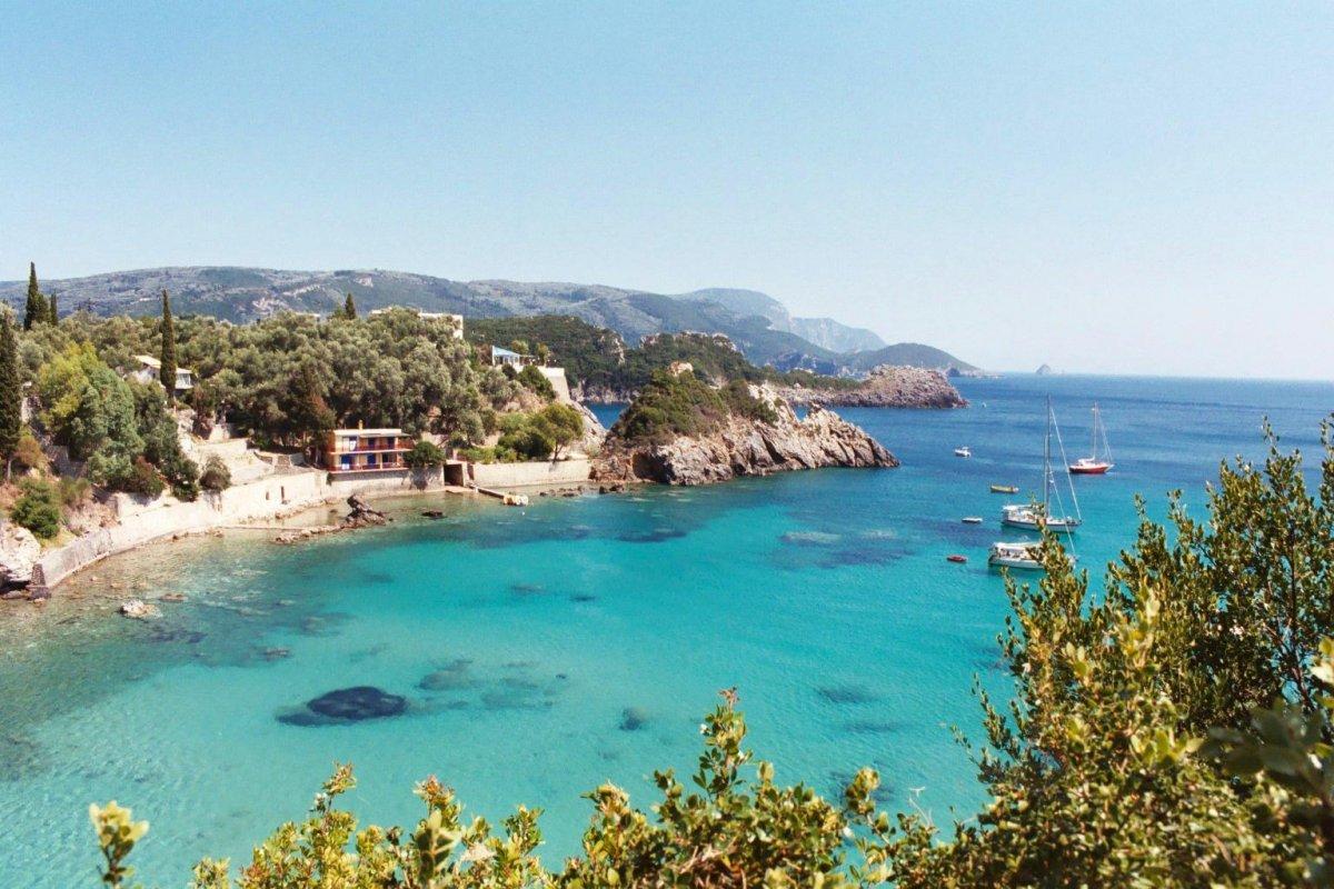 Корфу - островът на нимфите - хотел Messonghi Beach 3*