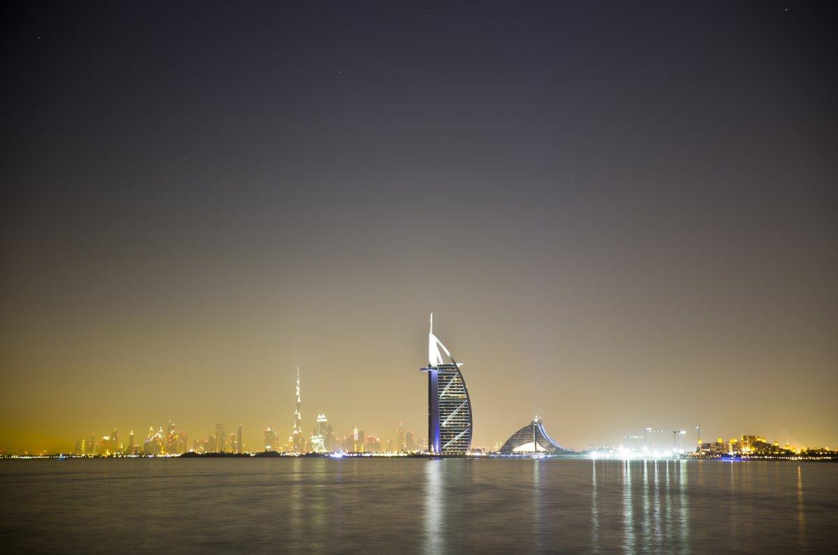 Нова година в Дубай и Абу Даби