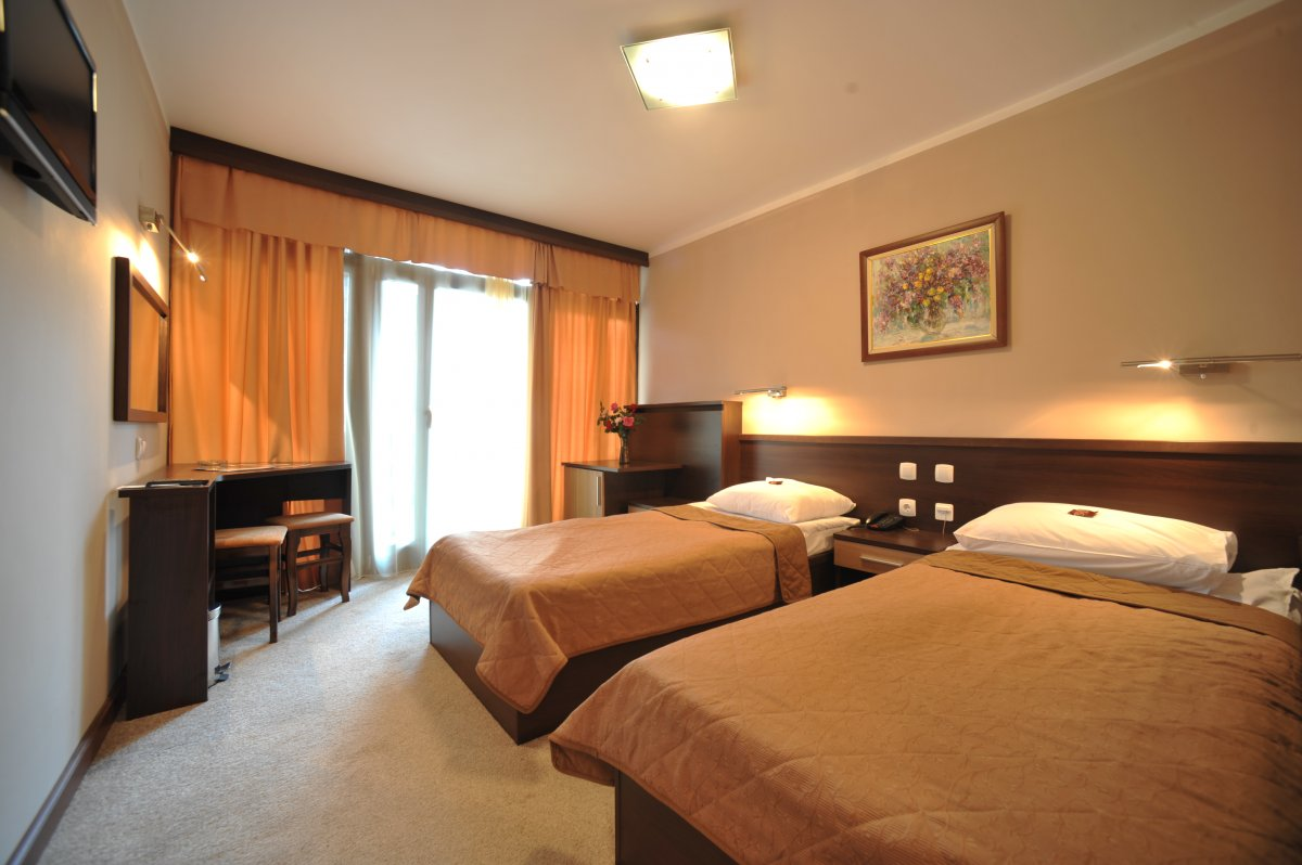 Нова година в Пролом Баня - хотел Радан 3*, 3 нощувки със закуски, обеди и вечери - собствен транспорт